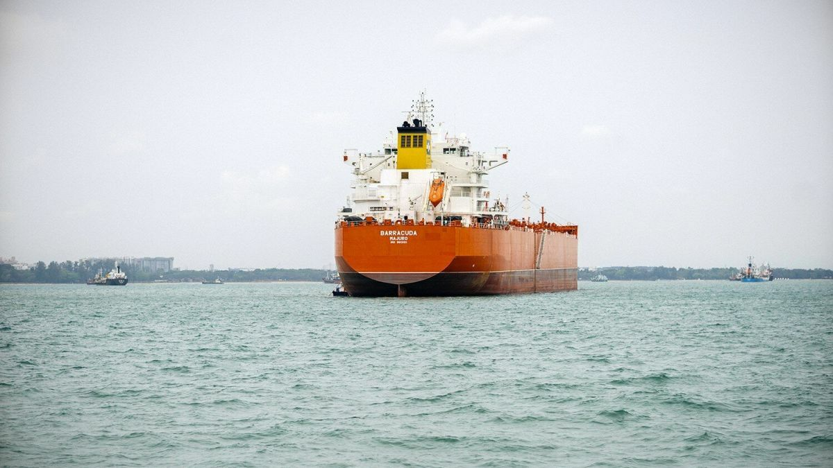 LR1 combination carrier switches cargo from soya beans to jet fuel