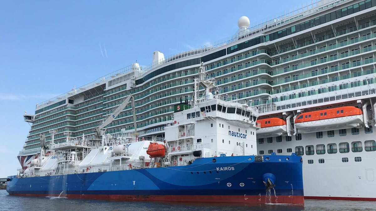 The cruise vessel Iona completed a ship-to-ship bunkering with Gasum's LGBNV Kairos (Credit: Gasum)