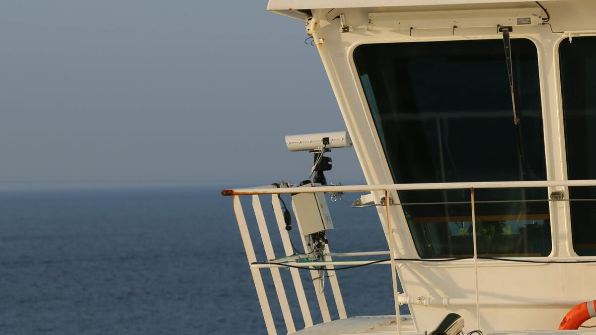 Ladar equipment on Color Magic ferry bridge.jpg