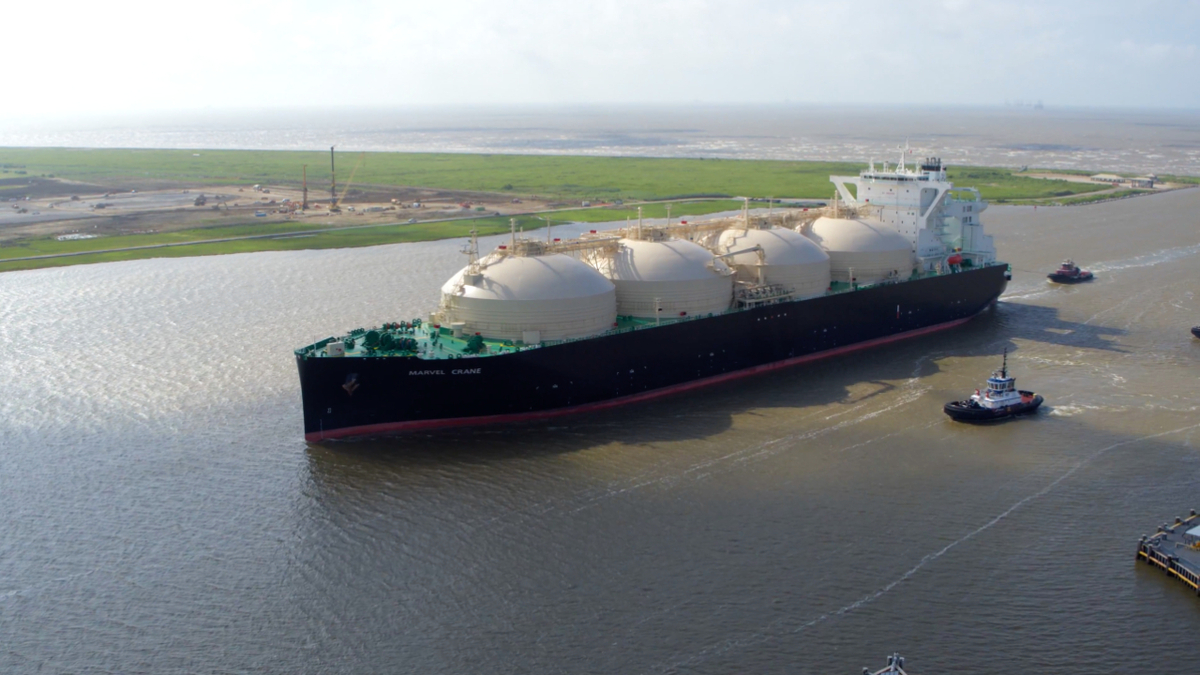 US LNG exports fall by over 50%, reports EIA