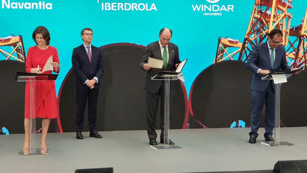 The contract for the foundations for the Saint Brieuc offshore windfarm is signed by Iberdrola and Navantia-Windar