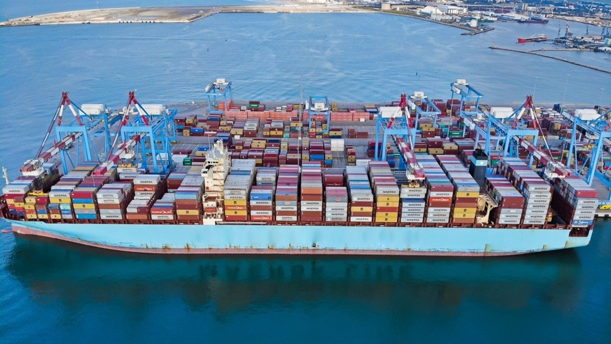 Container ship rates for June fell by 1.8% (Credit: Alexander Bobrov)