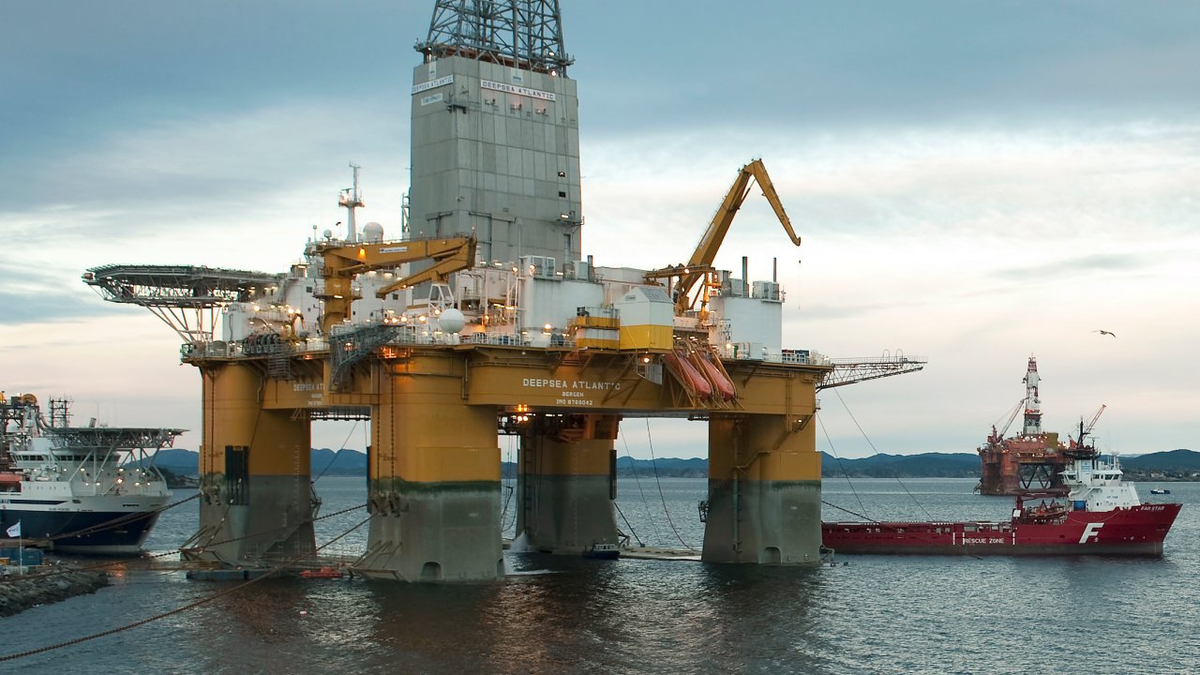 Odfjell Drilling's Deepsea Atlantic will be busy in the Norwegian North Sea to the end of 2022 (image: Marit Hommedal/Equinor)
