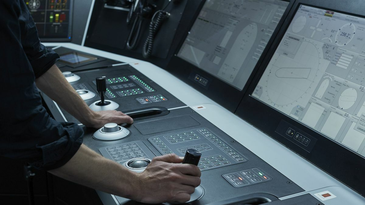 Bridge teams are using DP and independent joystick manoeuvring for ship positioning and docking (source: Kongsberg Digital)
