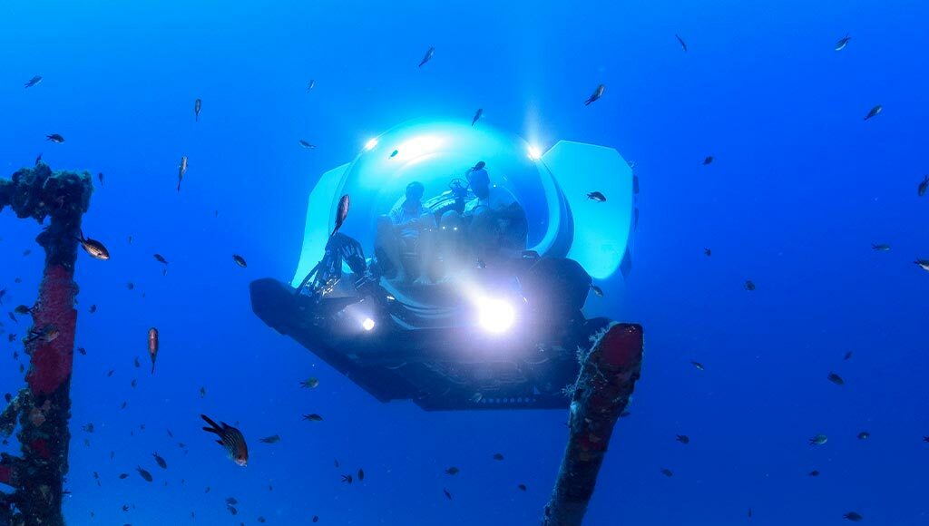 Exploring the Deep Blue with submersibles