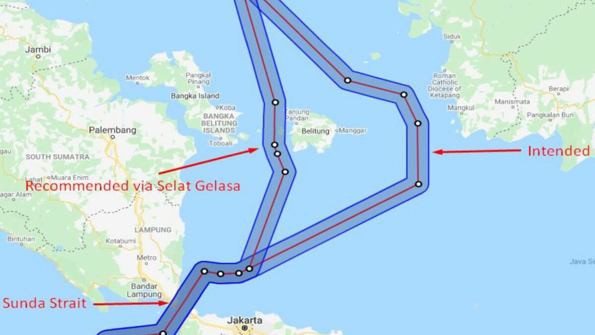 POCR recommended route versus intended route in Selat Gelasa, Indonesia