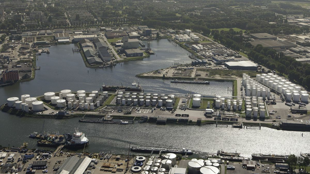 The Port of Antwerp has quarantined a tanker until 4 July 2020 (image source: Port of Antwerp)