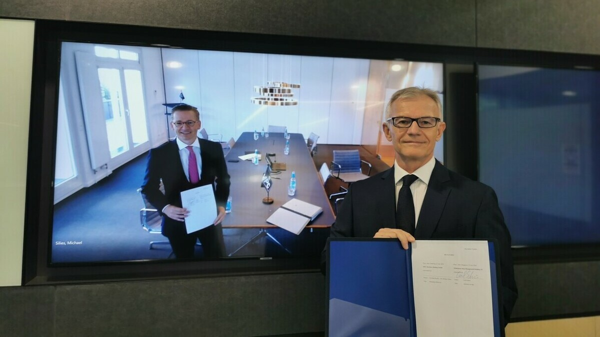 MPC Capital managing director Christian Rychly (on the monitor screen; left), and Wilhelmsen Ship Management CEO and president Carl Schou during an online signing ceremony to formalise the partnership