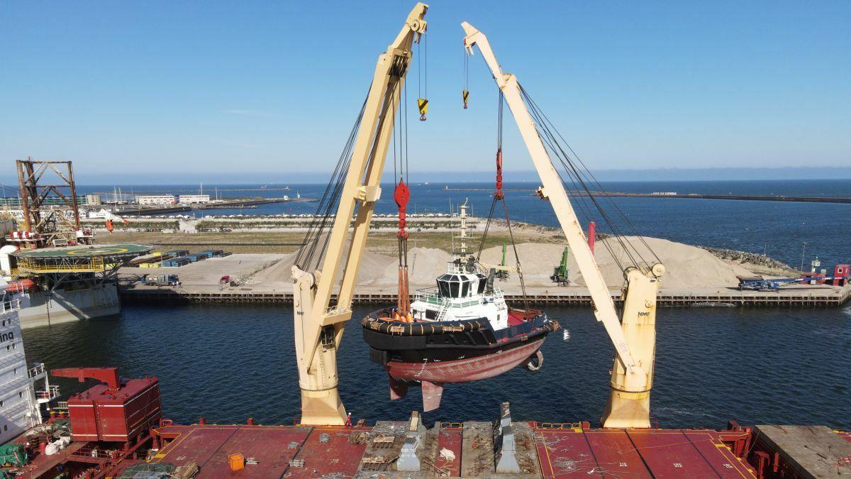 Damen delivers ASD 2312 tug Jupiter to Iskes in IJmuiden