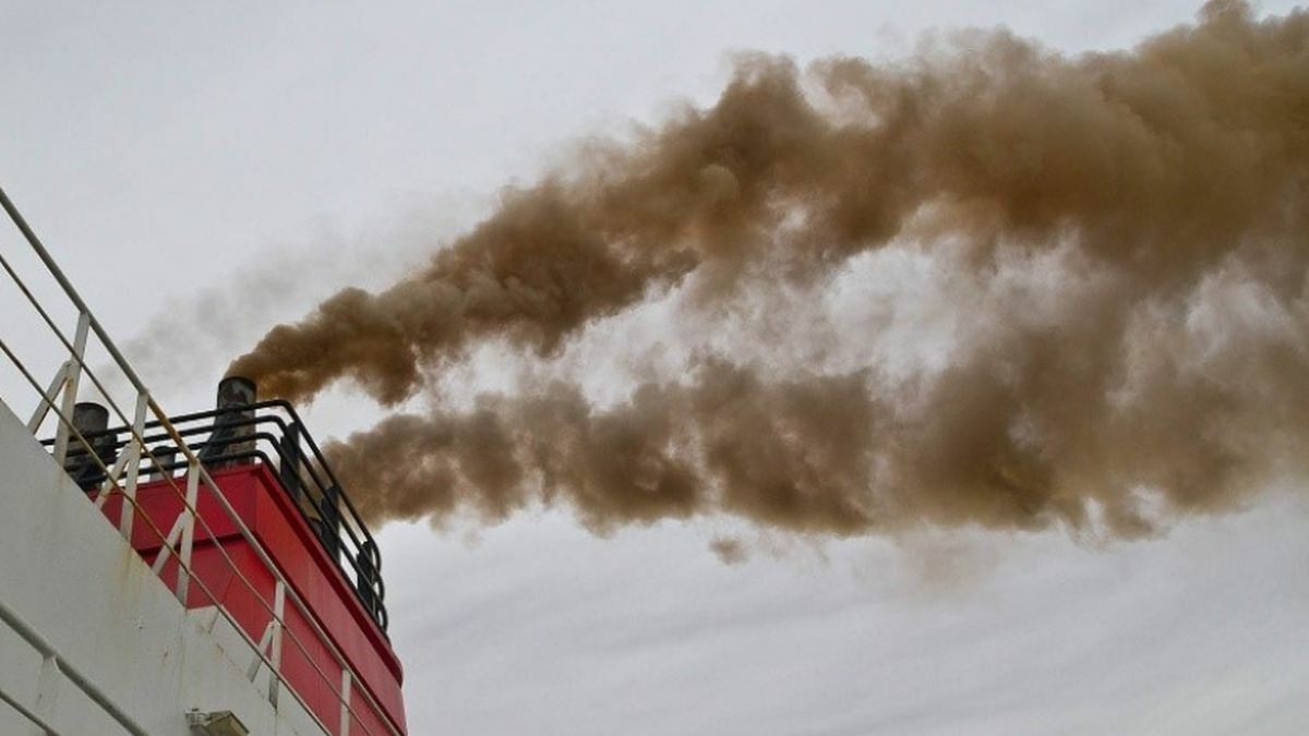 Shipping may not be able to operate without excessive BC emissions if fuel stability is not addressed (image: GARD)