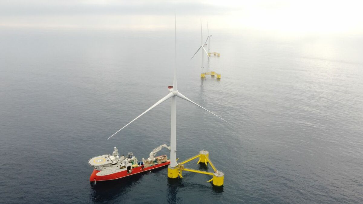 UPDATED: First floating windfarm in continental Europe fully operational