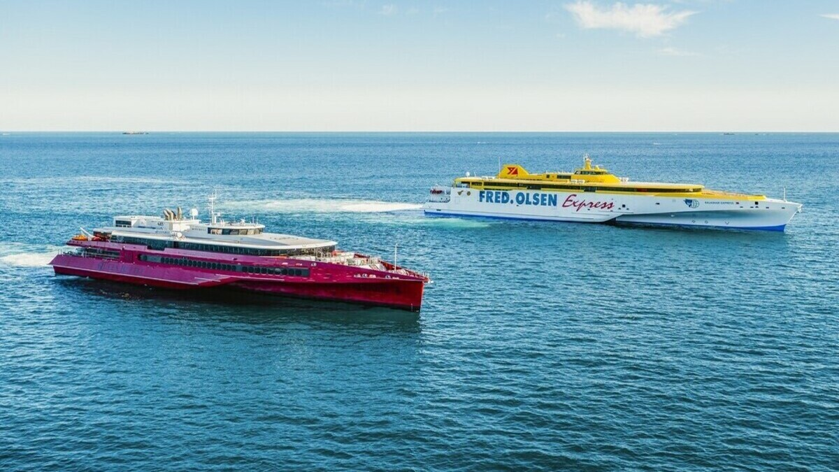 Queen Beetle (L) and Bajamar Express (R) undergo sea trials as Bajamar Express makes its delivery voyage to the Canary Islands (Image: Austal)