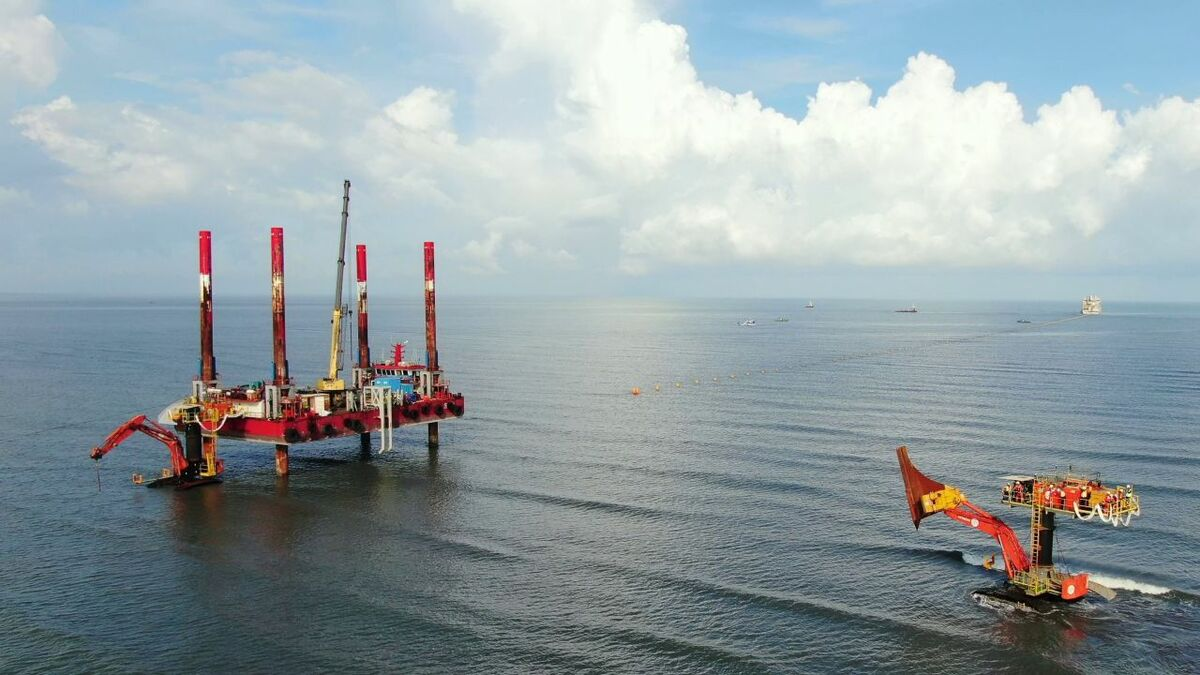 For the beach pull-in operation Jan De Nul Group teamed up with its Taiwanese partner Hung Hua Construction