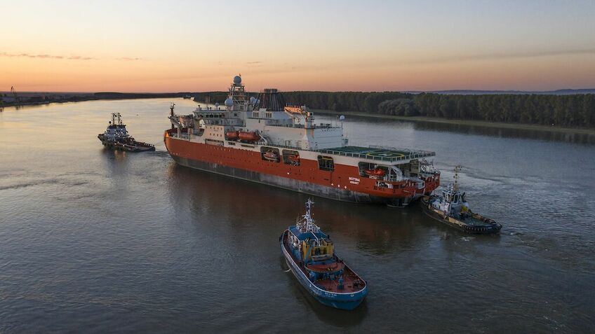 Coronavirus delays new icebreaker construction and forces unscheduled tow