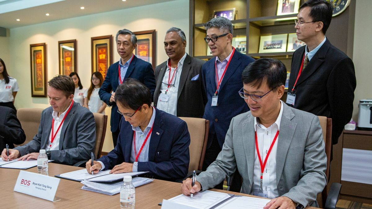 BOS, Penguin and contractors sign Singapore hybrid-electric fast launch contract