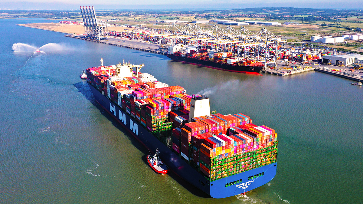 HMM Algeciras, one of 12 24,000-TEU ships, arrives at London Gateway