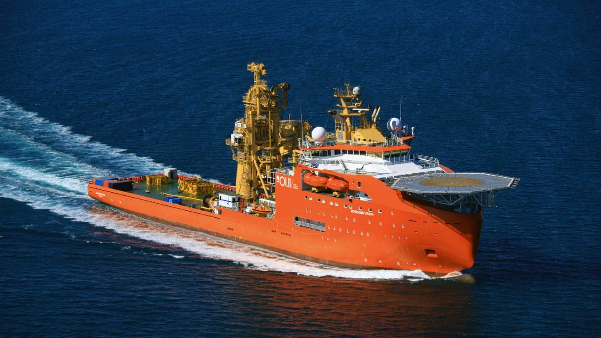 Normand Vision has a 3,000-tonne carousel below deck and 150-tonne-capacity vertical lay system (image: Solstad Offshore)
