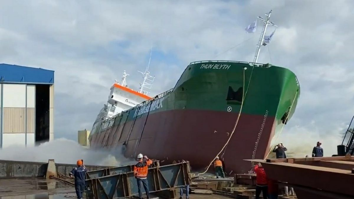 Sideways launch of Thun Blyth, an innovative tanker from Ferus Smit for Thun Tankers