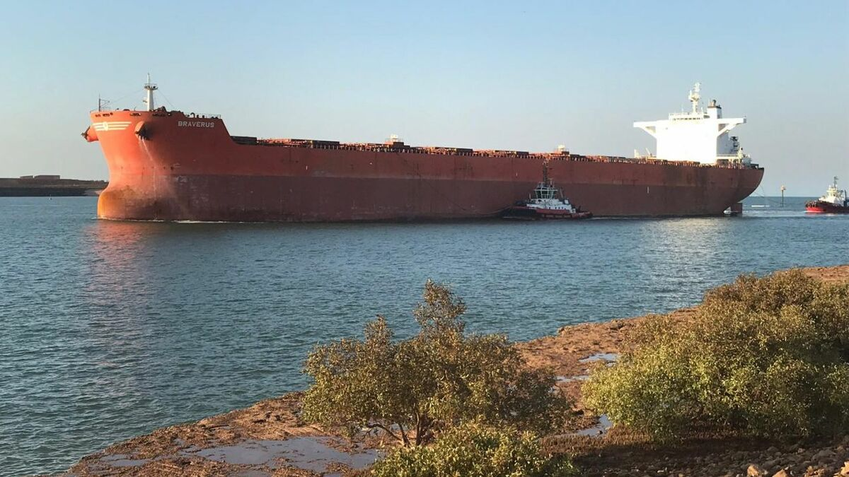 Tugs assist a bulker in Port Hedland, Australia, after dispatch via OptiPort