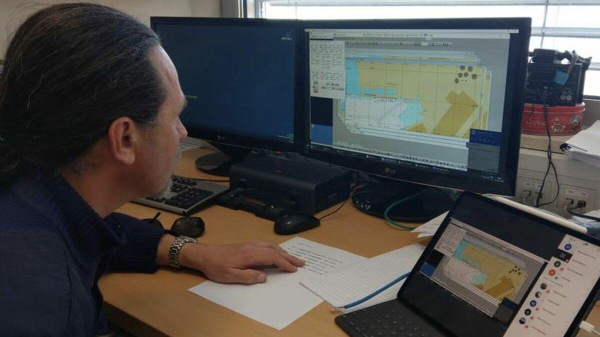 An instructor uses Wärtsilä Voyage's new cloud simulation training (source: University of Ljubljana)