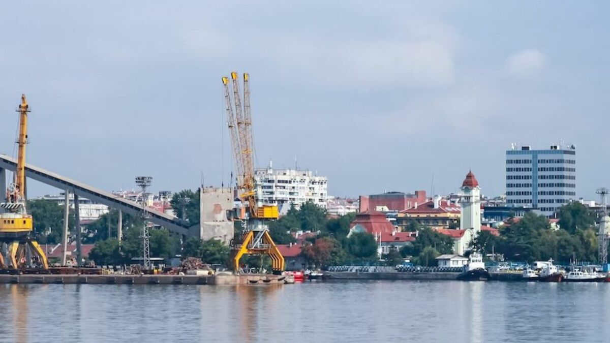 Bulgaria's VTMIS manages ship traffic into ports and coastal waters (source: Wärtsilä)