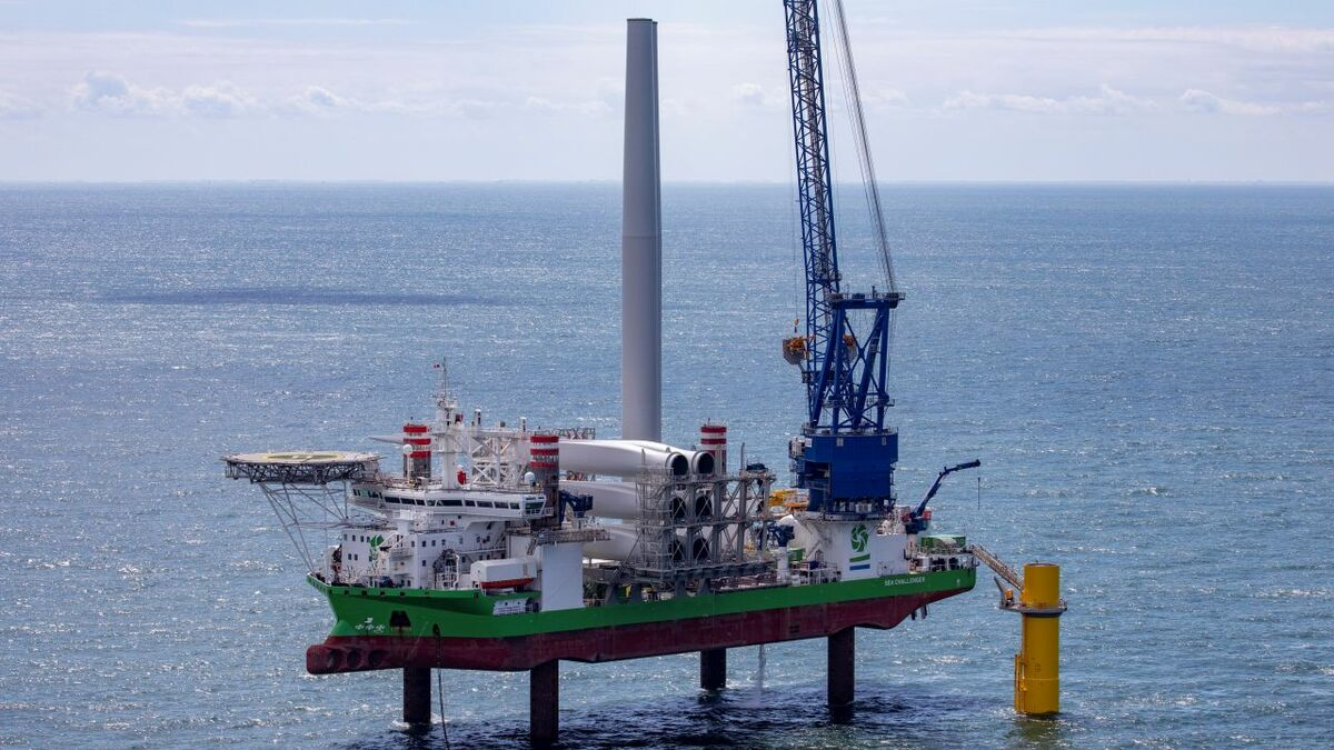 Offshore windfarm construction and maintenance is a booming sector (source: DEME)