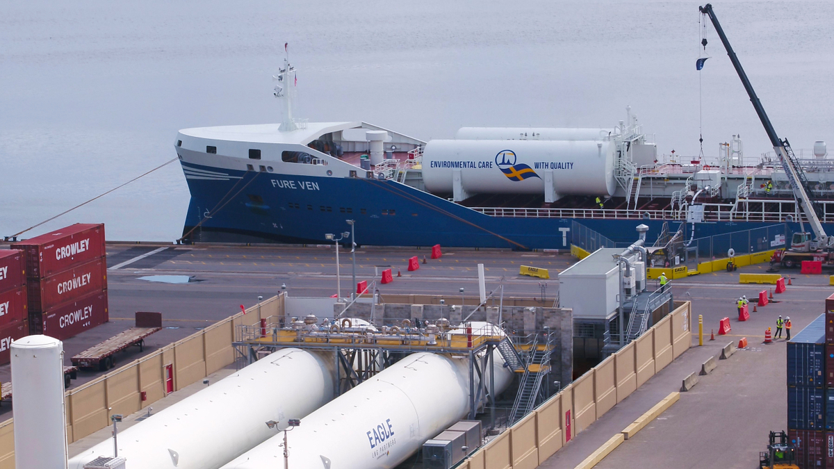 Fure Ven was bunkered with 225 tonnes of LNG by Eagle LNG