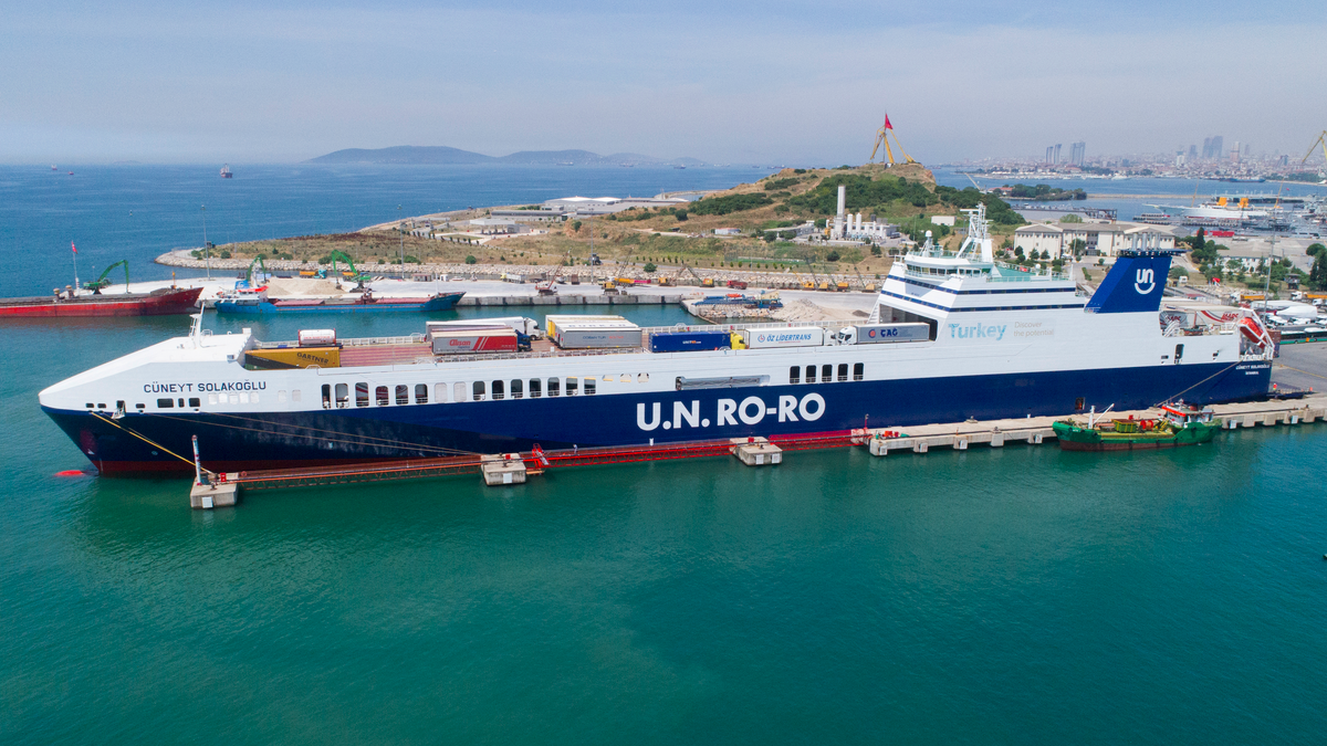 DFDS is looking to replace fossil fuels with zero-emissions fuels on its new generation of ships (Image: DFDS)