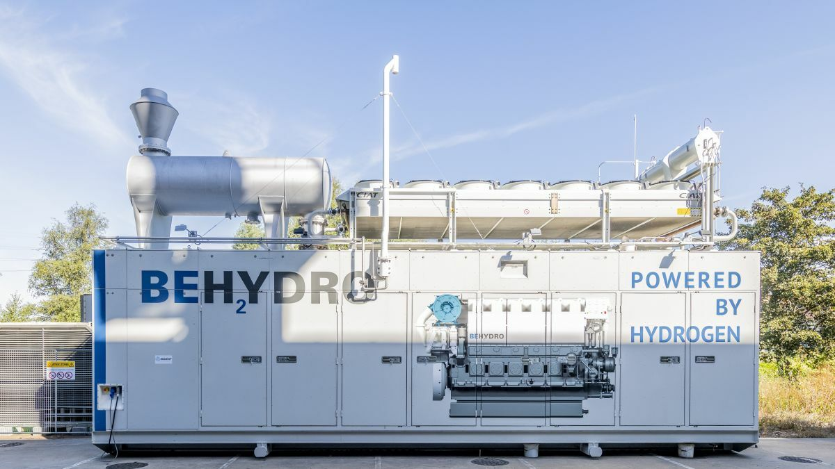 The first BeHydro dual-fuel, medium-speed engines will be installed in a hydrogen-powered tug for the Port of Antwerp (Source: CMB)