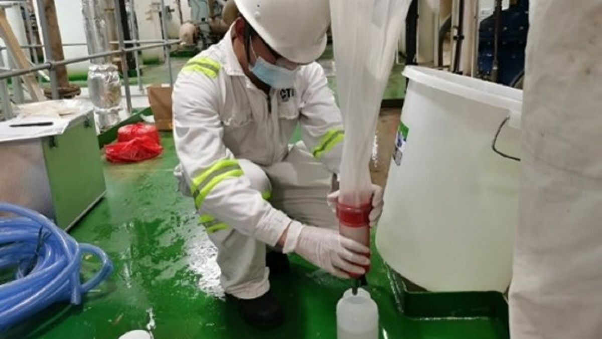 CTI-Maritec technician collects ballast water for testing (image source: CTI-Maritec)