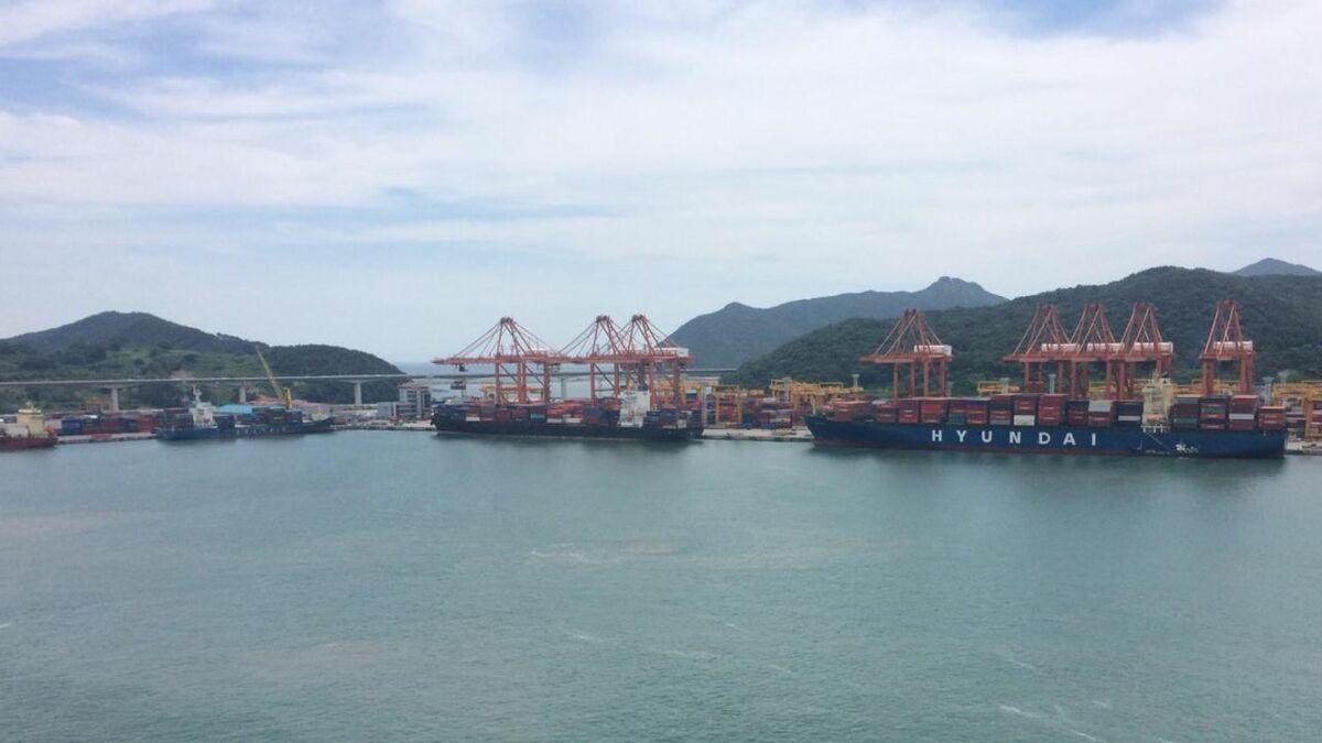 Data exchange between ships and ports needs to be harmonised (source: IMO)