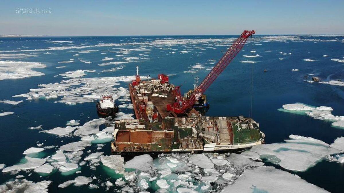 Smit removed wrecked fishing vessel Northguider in Svalbard Norway (source: Smit)