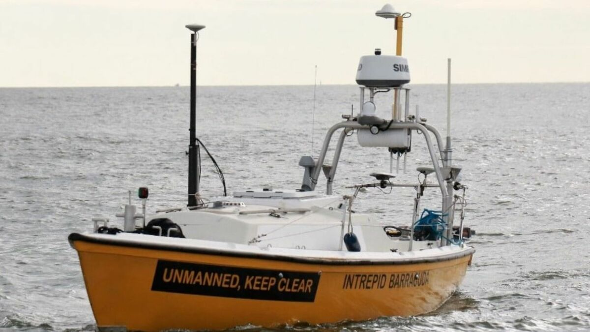 Intrepid Barracuda unmanned survey vessel with EchoStar terminal on mast (source: Marlink)