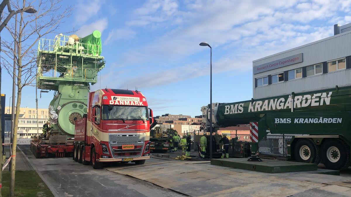 MAN's ammonia engine arrives at its Copenhagen research centre (source: MAN)