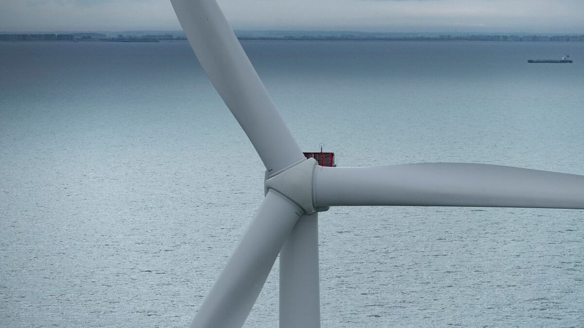 First V164-9.5 MW turbine installed on Scottish floating wind project