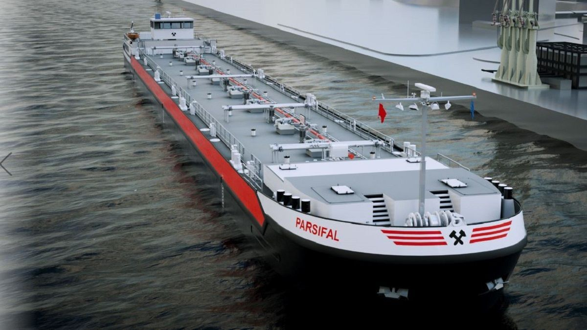 Shell charter behind huge order for LNG dual-fuel tankers for European waterways