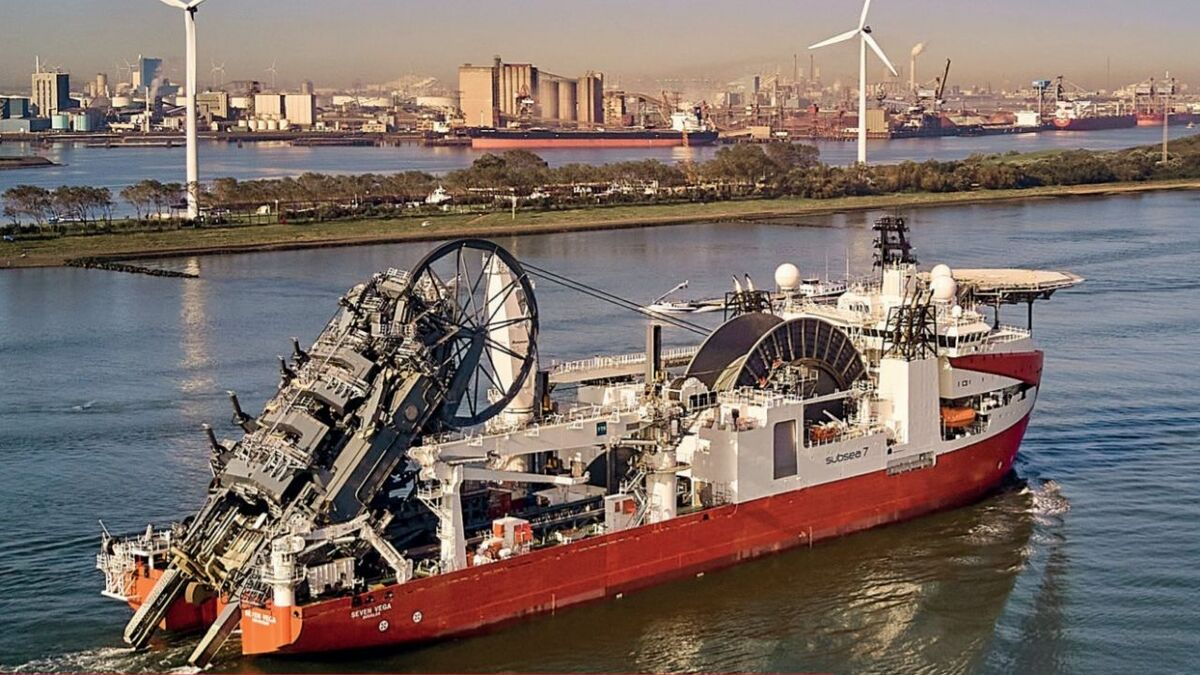 Royal IHC built reel lay vessel Seven Vega for Subsea 7 (source: Subsea 7)
