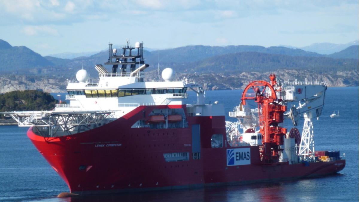 Connector has two subsea cranes, with capacities of 400 tonnes and 100 tonnes, and two carousels (source: Ocean Yield)