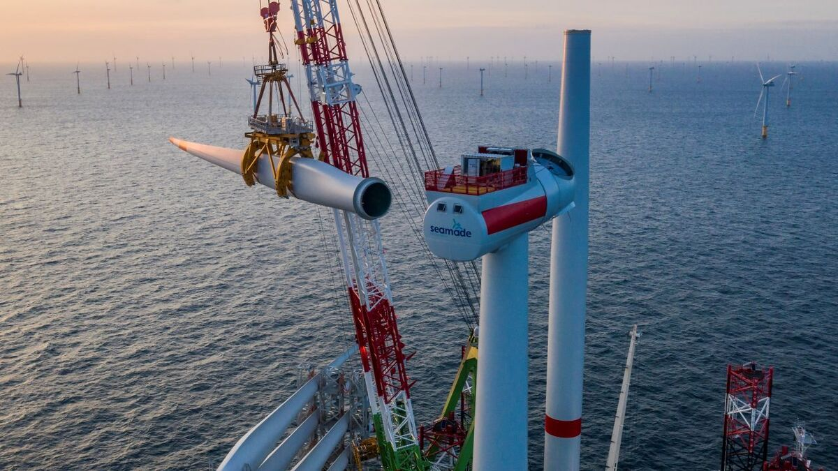 DEME's DP2 offshore installation vessel Apollo installed Siemens Gamesa 8.4-MW turbines for the SeaMade project