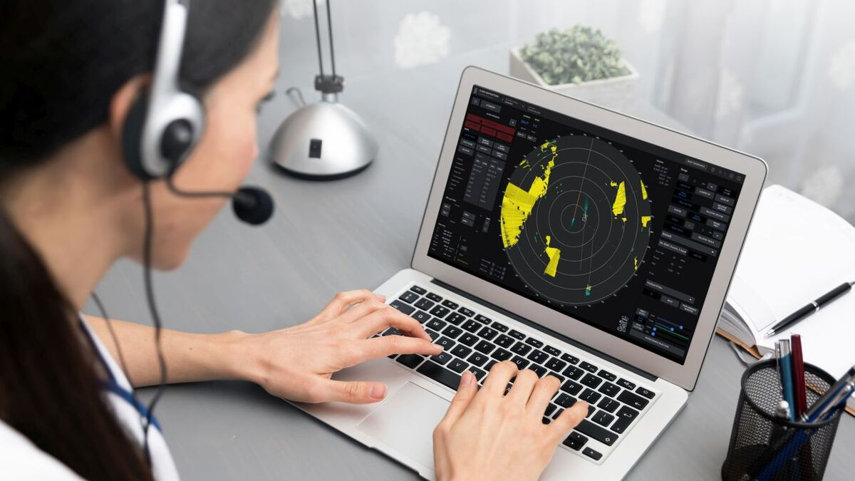 A seafarer practices using radar on K-Sim Navigation e-learning (source: Kongsberg)