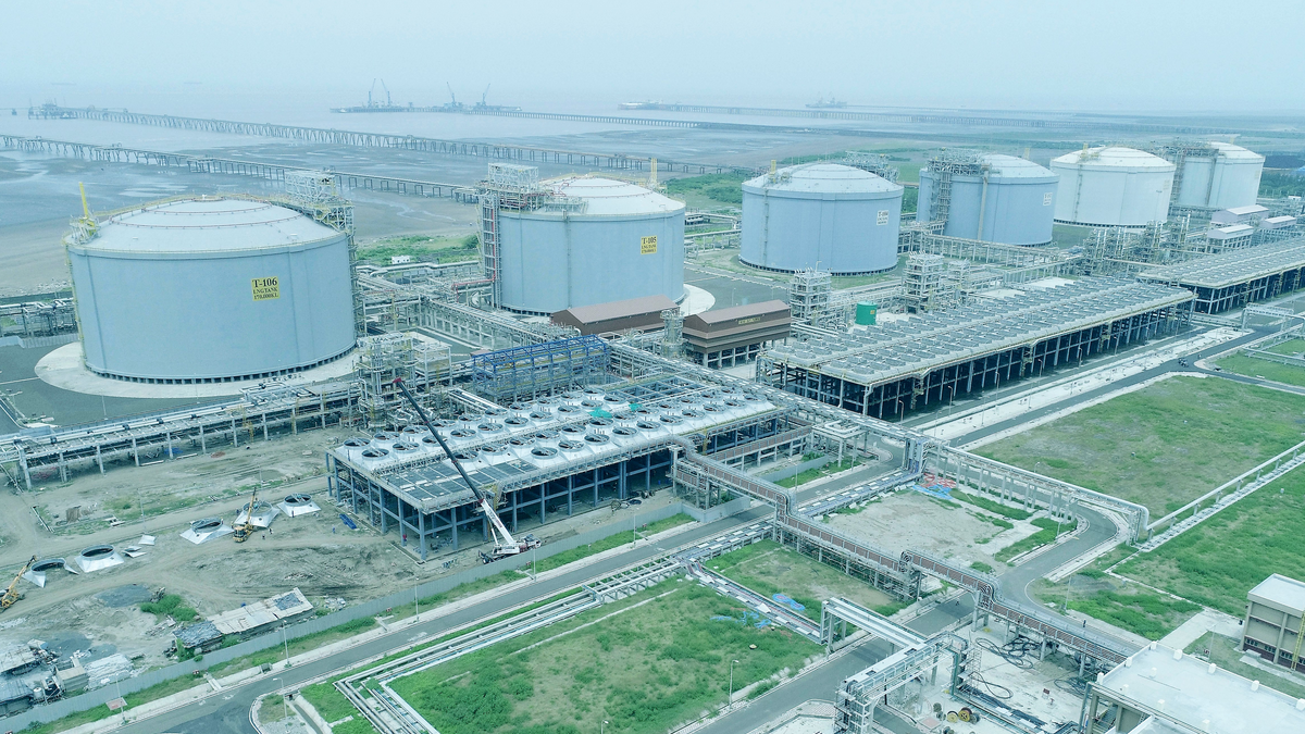 Using small-scale LNG to exploit new markets