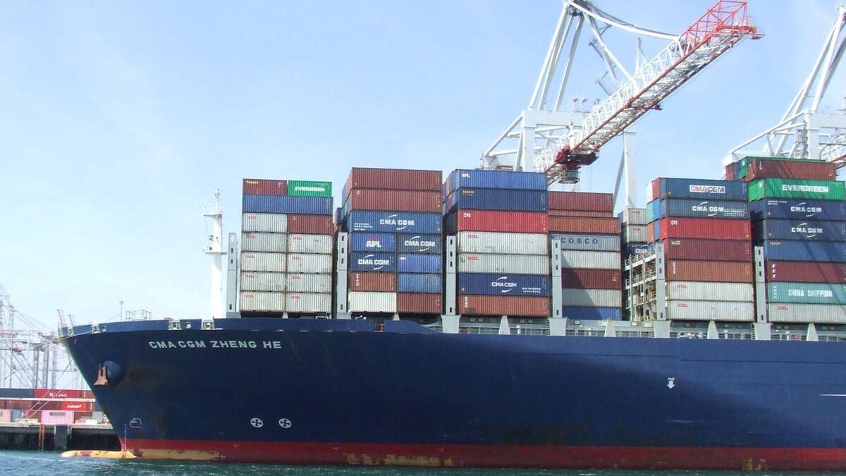 CMA CGM container ship docks at Southampton terminal UK (source: RMM)