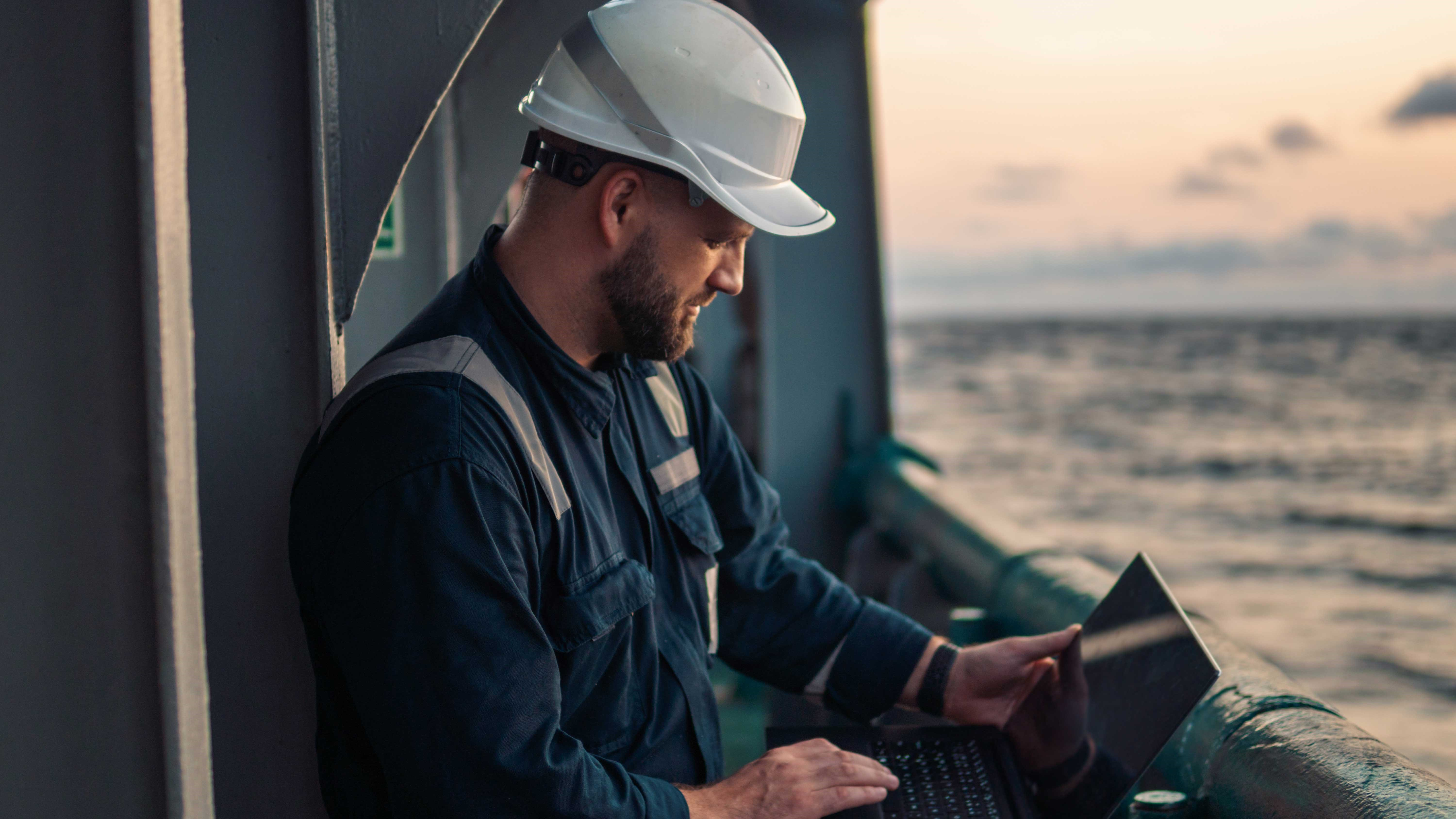 Finding the Right Connectivity Solution for Smart Shipping