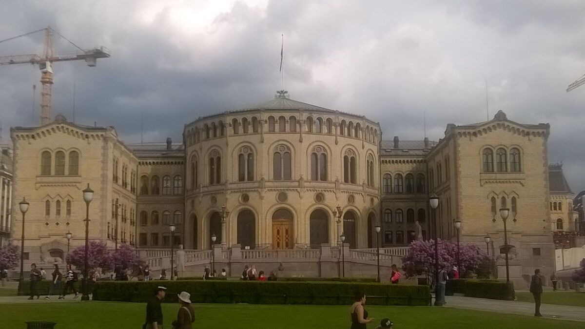 A storm brews over Norway Storting parliament in Oslo (source: RMM)