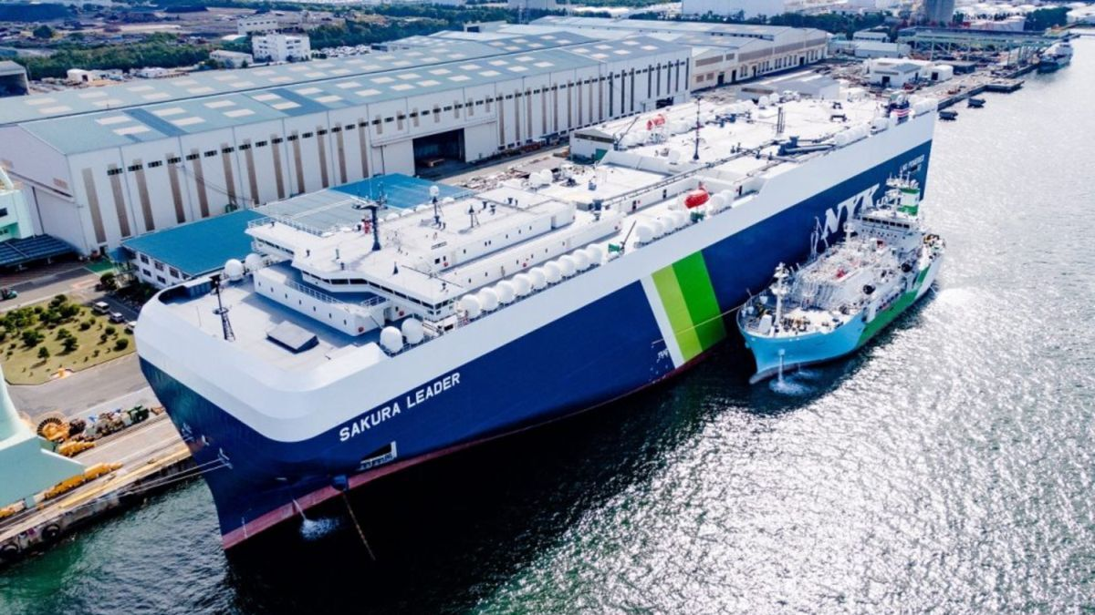 Japan's first LNG-fuelled large car carrier, Sakura Leader, is powered by a regulation-beating engine (source: MHI)