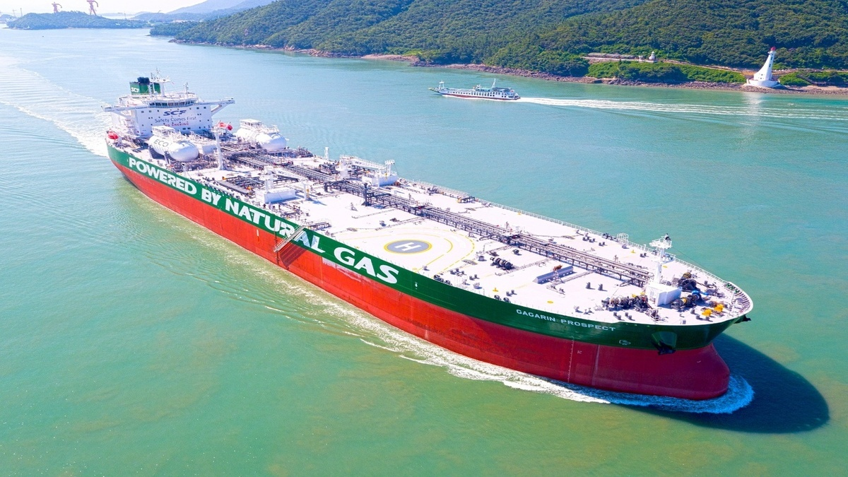 Gagarin Prospect - the world's first Aframax tanker designed to run on LNG, one of 40 dual-fuel ships already delivered or under construction at HHI Group (Image: DNV GL)