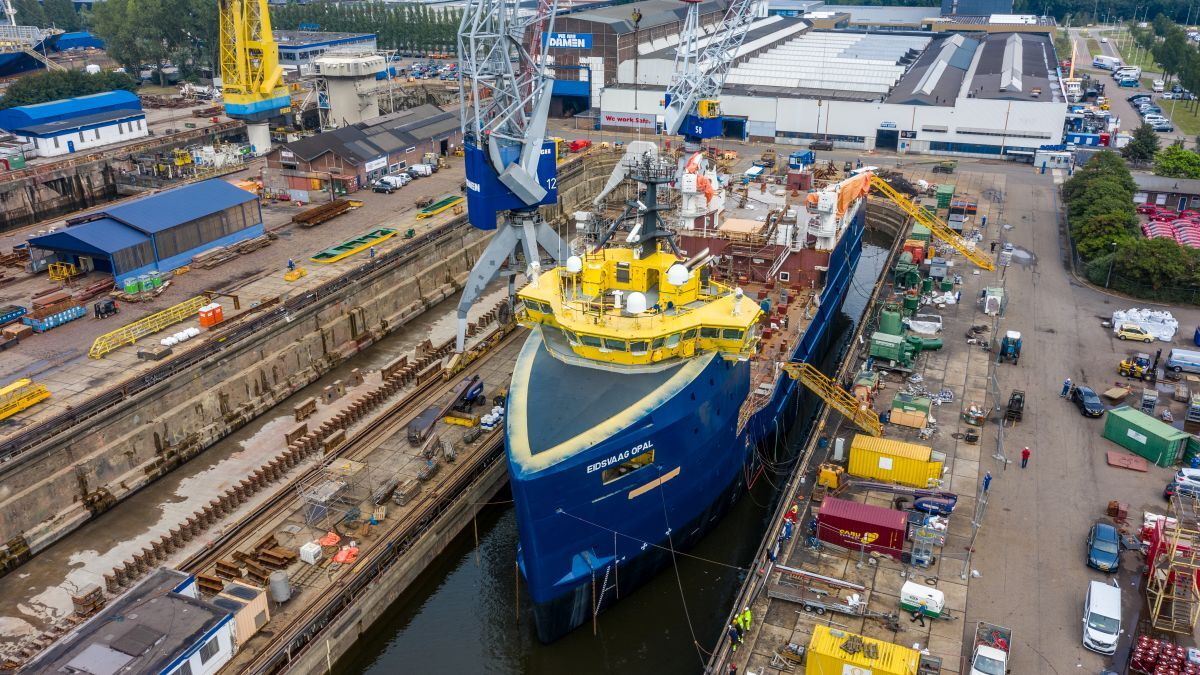 Damen has completed the conversion of PSV Eidsvaag Opal PSV for use as a fish feed transporter (source: Damen)