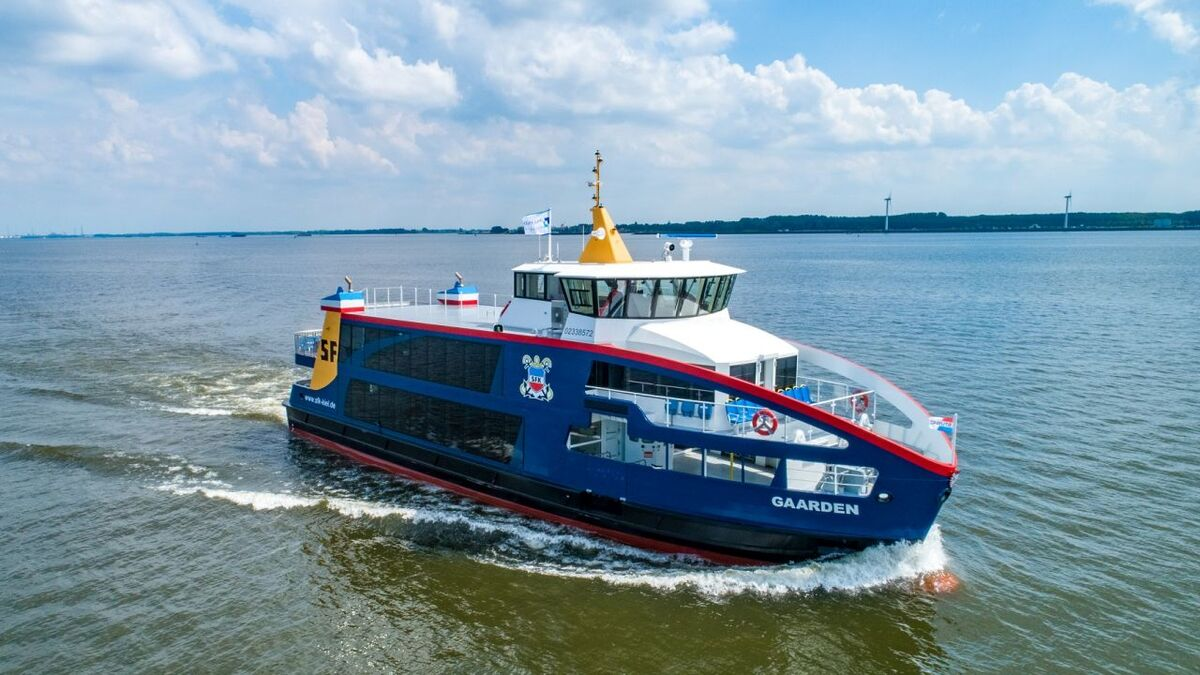 The first plug-in hybrid vessel to operate on the German Baltic coastline, Gaarden was delivered to SFK in July 2020 (Image: Holland Shipyards Group)