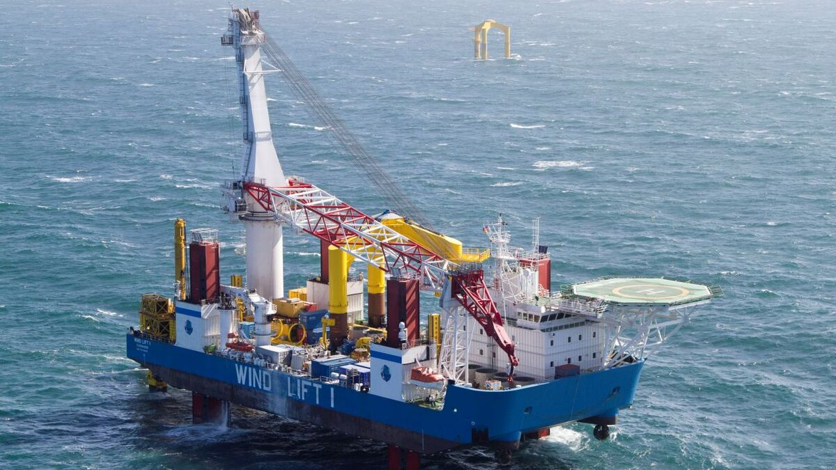 Wind Lift I was built in 2010 and has dynamic positioning capability, a 500-tonne crane and accommodation for 50 people