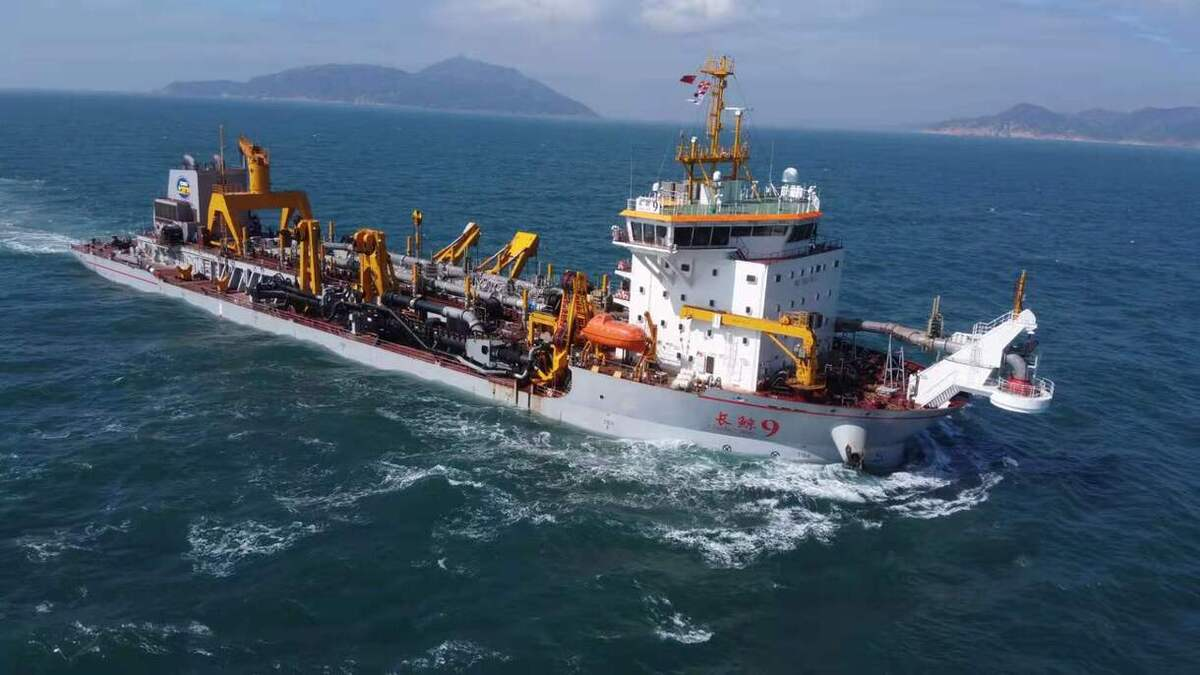The operational efficiency and availability of Chang Jing 9 will be enhanced with a long-term Wärtsilä optimised maintenance agreement (© Nanjing Changjiang Waterway Engineering)